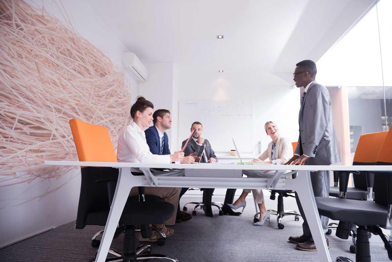 چگونه یک بیانیه در یک جلسه داشته باشیم